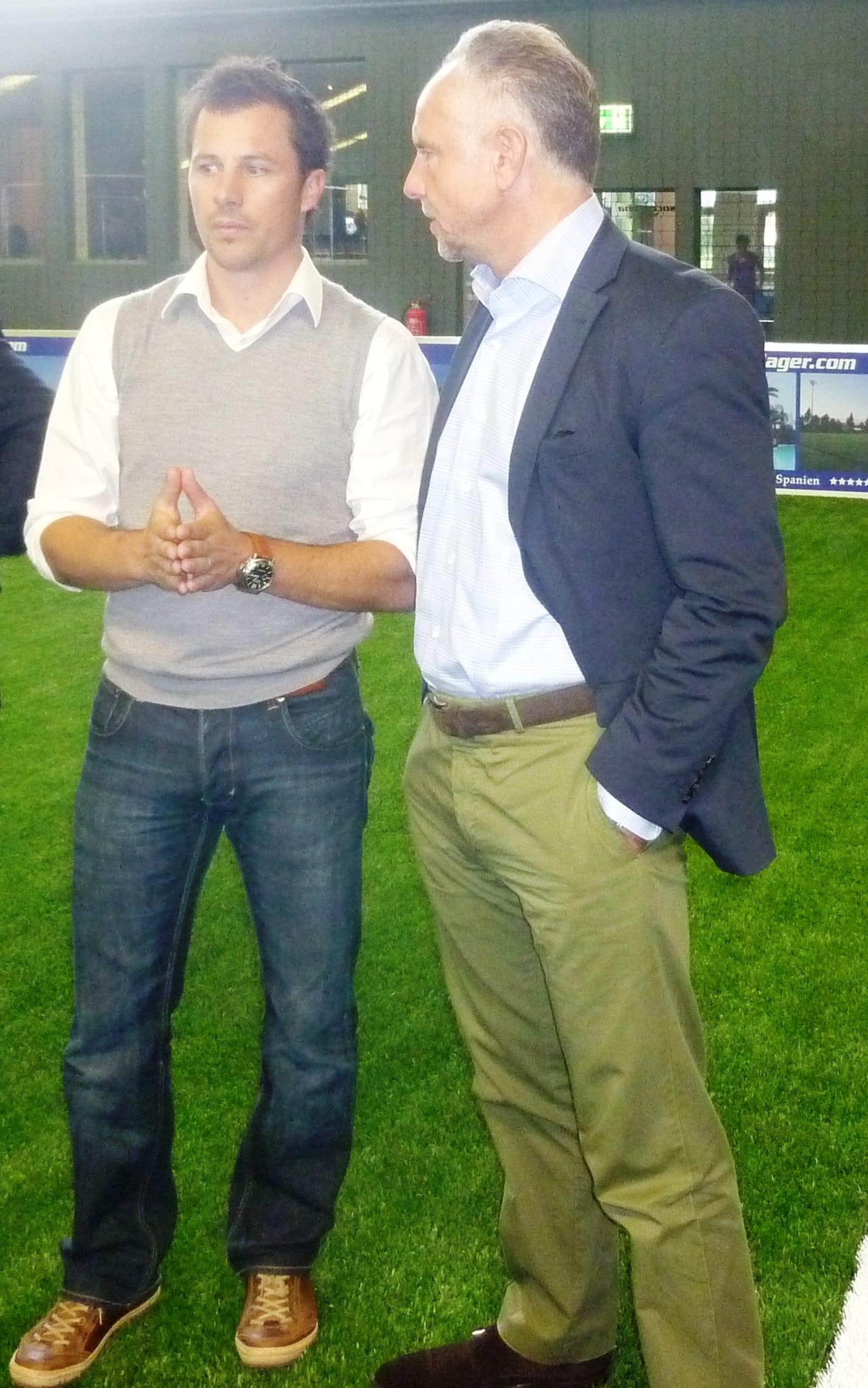 SOCCARENA-Geschäftsführer Marcus Häusler mit Michael Rummenigge